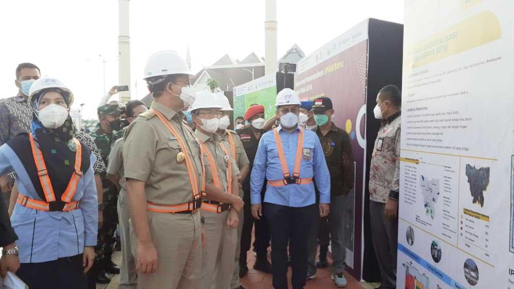 Gubernur DKI Jakarta, Anies Baswedan saat meresmikan IPA Mookervart.