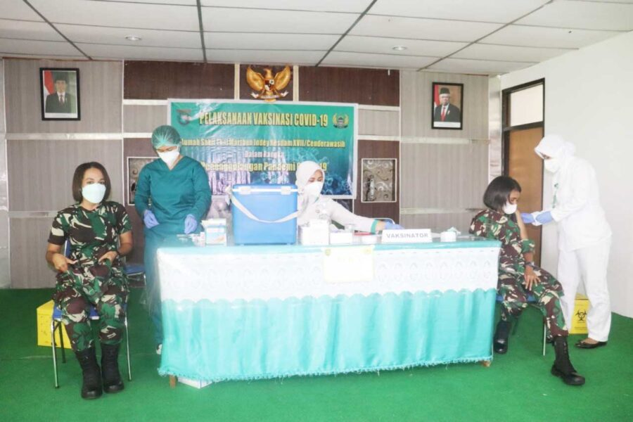 Prajurit Kodam XVII/Cenderawasih kembali menerima vaksinasi Covid-19