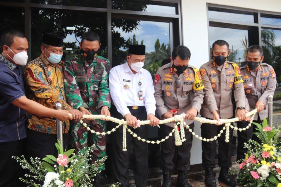 Masjid Al Hidayah di Polres Cilegon secara resmi diresmikan oleh Kapolda Banten Irjen Pol Dr Rudy Heriyanto Adi Nugroho pada Rabu