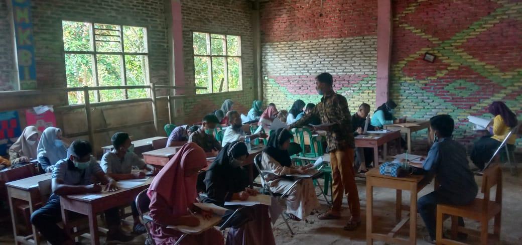 PKBM) Harapan Bangsa Kecamatan Banjarsari Kabupaten Lebak kembali menyelenggarakan kegiatan Ujian Pendidikan Kesetaraan (UPK) Paket B