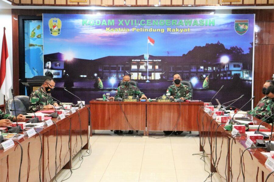 Pangdam gelar rapat bersama pejabat Kodam terkait keterlibatan Kodam XVII/Cenderawasih dalam penyelenggaraan PON XX tahun 2021