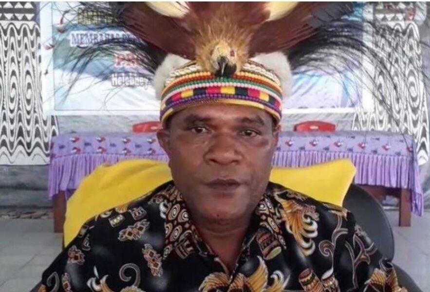 Tokoh Papua, Yanto Eluay seorang Putra Adat di Papua yang merupakan Ondofolo di Sentan menyebutkan serangkaian kekejaman yang dilakukan KKB