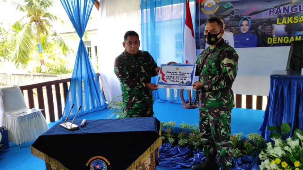 Pangkoarmada I Laksda TNI Abdul Rasyid mengunjungi (Lanal) Tanjung Balai Asahan bertatap muka dengan prajurit Lanal TBA Jalasenastri Cabang 7