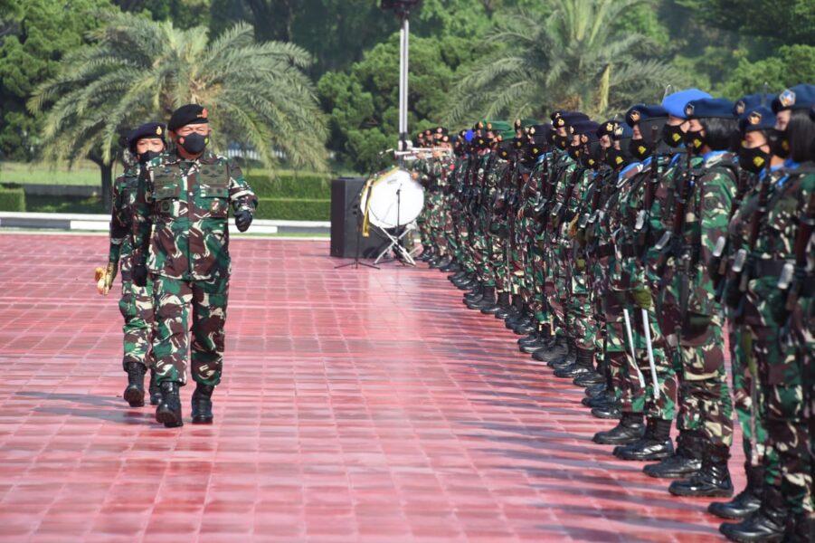 Sebagai prajurit profesional, para Wanita TNI juga memiliki peran ganda sebagai ibu rumah tangga. Sebuah peran yang tidak kalah penting