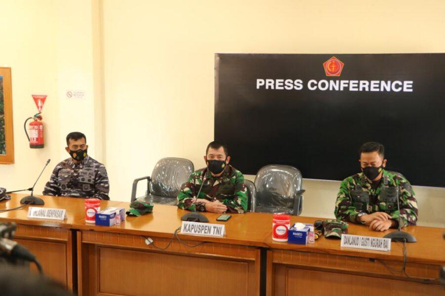 (TNI) mengerahkan 21 Kapal Perang Republik Indonesia untuk melakukan pencarian kapal selam KRI Nanggala 402 yang hilang di perairan Bali