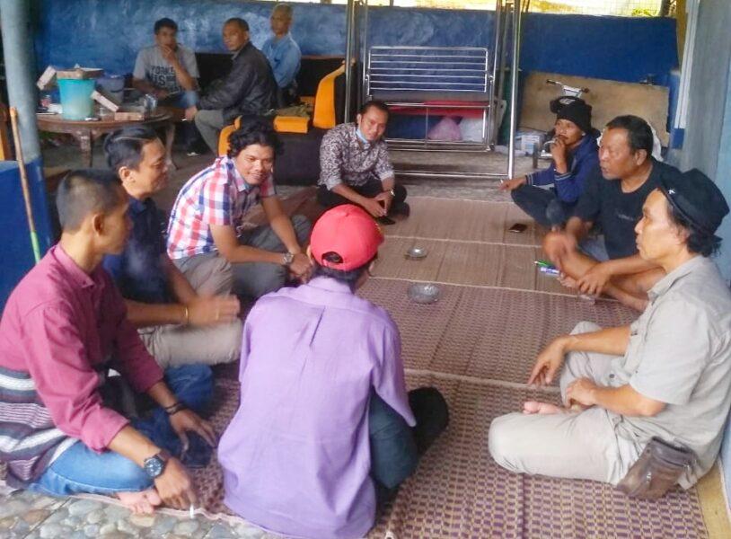 Pemred) Cakratara didampingi Tim Redaksi Media Cakratara merealisasikan program kerja Mitratara melalui kunjungan ke kediaman pengusaha