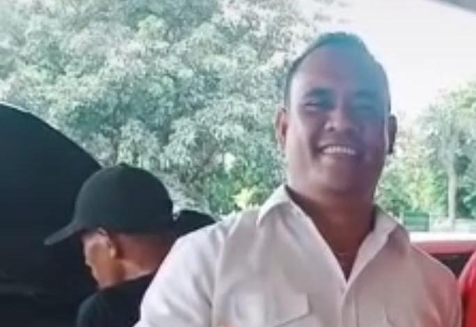 Oknum debt colector dengan begitu gagah dan suara lantangnya mengaku kalau dia juga berasal dari Kota Serang sebagai anggota Kopassus