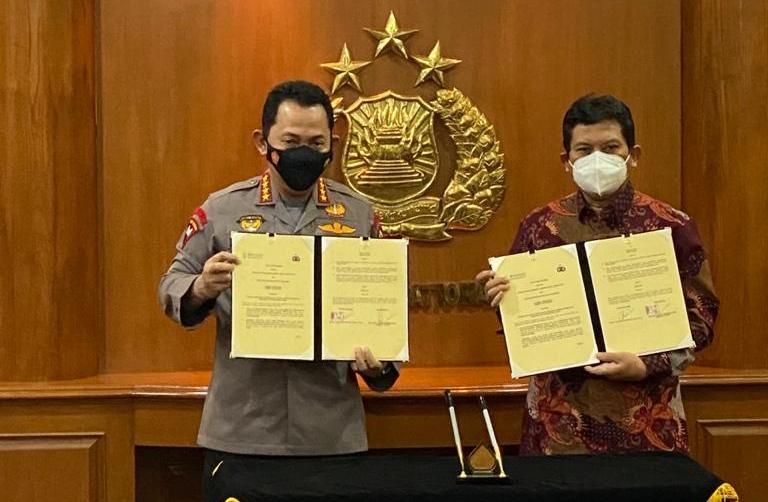 BPJS Kesehatan melakukan kunjungan ke Kapolri Jenderal Polisi Listyo Sigit Prabowo sekaligus melakukan penandatanganan MoU di Mabes Polri