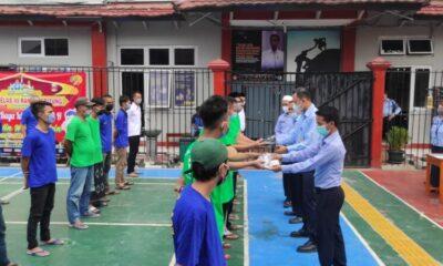 (Lapas) Kelas III Rangkasbitung, 260 Warga Binaan Pemasyarakatan (WBP) menerima pembagian Masker dan Vitamin C untuk daya tahan tubuh