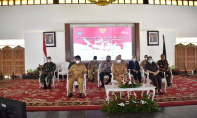 Dandim Banyuwangi, mengikuti Rapat Koordinasi (Rakor) kepala daerah seluruh Indonesia dan pengarahan Presiden RI secara virtual