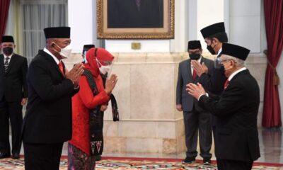 Presiden RI Ir. H. Joko Widodo melantik Letjen TNI Ganip Warsito, S.E., M.M. sebagai Kepala Badan Nasional Penanggulangan Bencana (BNPB)