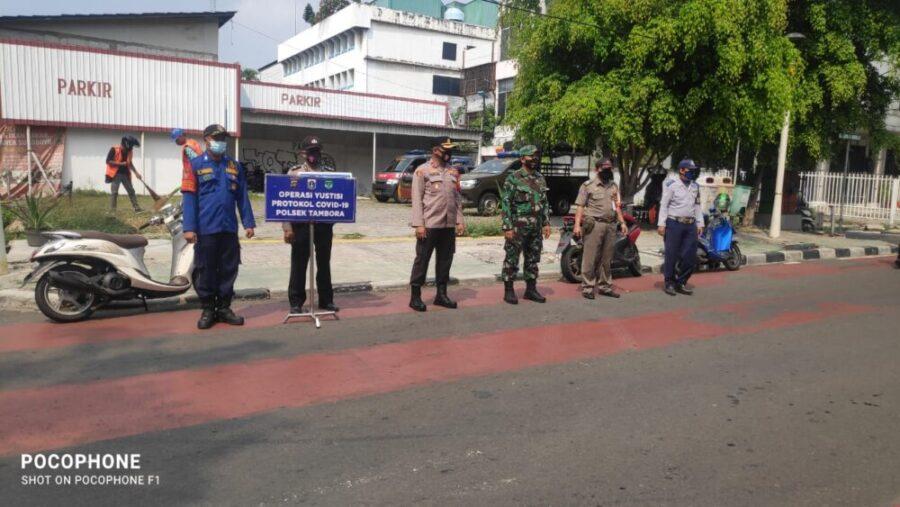 Sebanyak 39 Warga Tambora kedapatan tidak menggunakan masker terjaring oleh petugas gabungan dalam Operasi (Ops) yustisi di Jalan Kopi Rw 03
