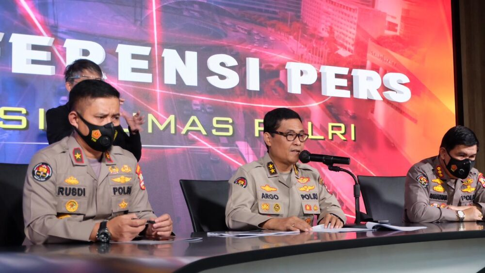 Berkas perkara penyidikan dugaan kasus suap jual beli Bupati Nganjuk Jawa Timur dilimpahkan Bareskrim Polri kepada (Kejagung).