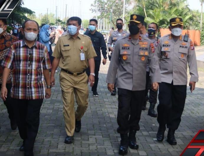Sebanyak 2074 orang di wilayah hukum Polda Banten telah melakukan vaksin dalam rangka memutus mata rantai penyebaran Covid-19.
