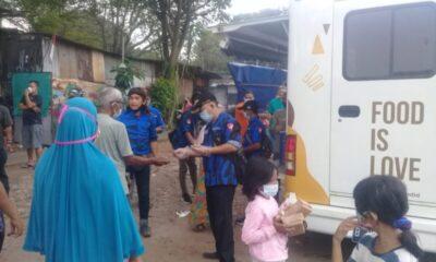 Badak Banten DPD Kota Tangerang bekerja sama dengan wonder food dan Karang Taruna Cibodas berbagi nasi box dan snack berjumlah 300 kotak