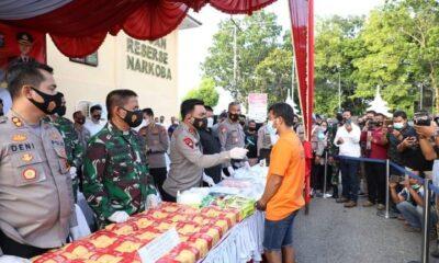 Kapolda Sumut Irjen Pol. Drs. R. Z. Panca Putra S, M.Si, memimpin kegiatan press release pengungkapan Narkotika di Polres Labuhan Batu