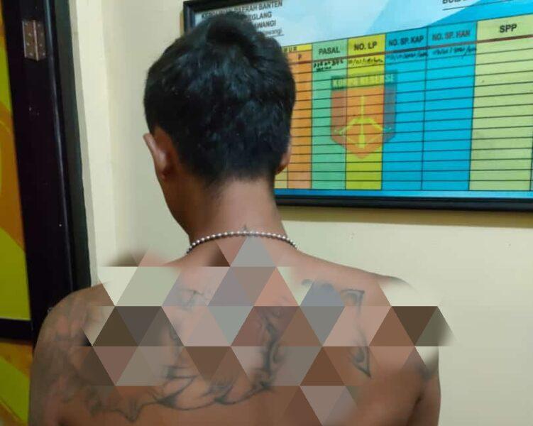 Polsek Mandalawangi Polres Pandeglang berhasil menangkap terduga pelaku pencurian dengan kekerasan (Curas) warga di Kecamatan Saketi