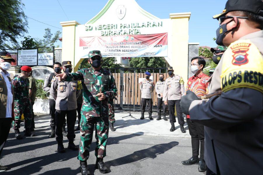 Kehadiran Panglima TNI dan rombongan disambut Walikota Solo , Dandim dan Kapolres Boyolali di Asrama Haji Donohudan dan SD Negeri Panularan