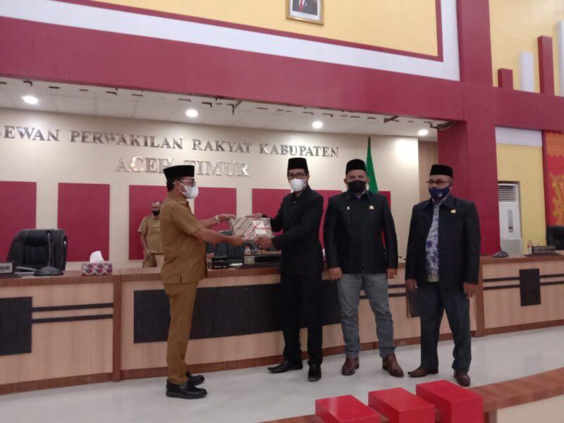 Sesuai peraturan perundang-undangan yang berlaku bahwa Bupati Aceh Timur dan Wakil Bupati wajib menyampaikan LKPJ kepada Dewan yang terhormat