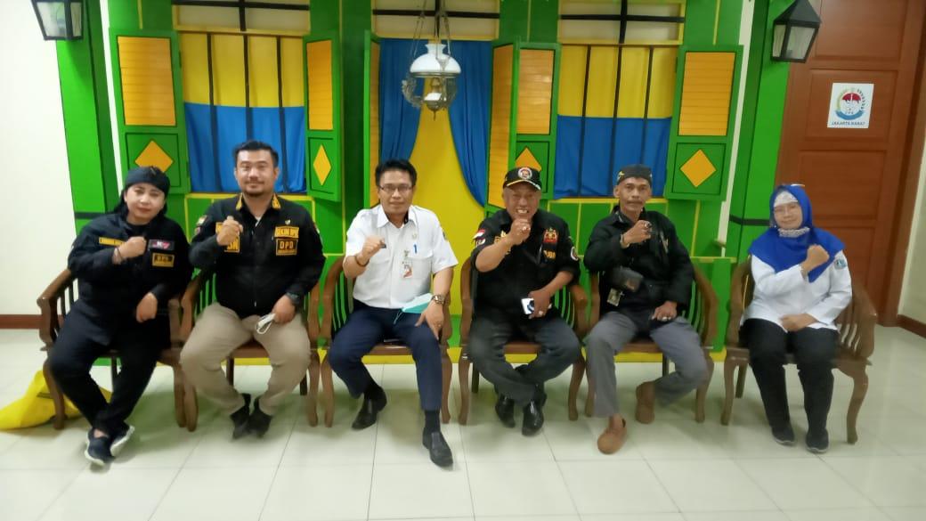 Kedatangan Paguron Jalak Banten Nusantara DPD Jakarta Barat untuk bersilaturahmi disambut hangat dengan Suban Kesbangpol Walikota