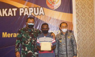 Kasrem) 174 ATW MeraukeKolonel Arh HamimTohari, M.A.,menghadiri acara dialog dan ramah tamah Pangkoopsau IIIdengan Tokoh Masyarakat Papua