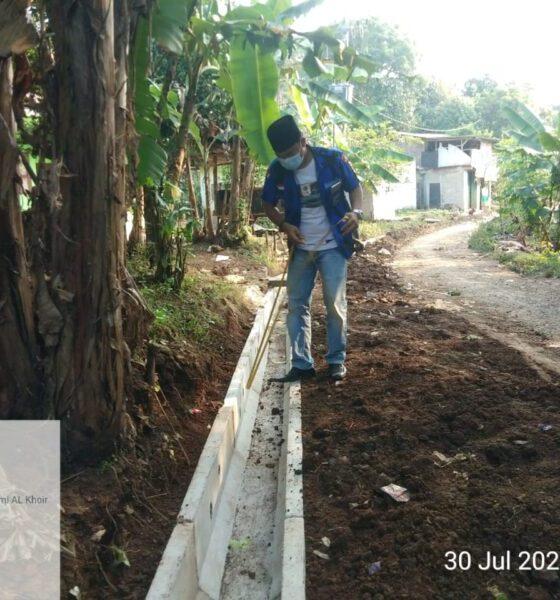 Ormas Badak Banten melakukan investigasi tidak adanya papan proyek pelaksanaan pembangunan siring yang diduga langgar UU KIP.