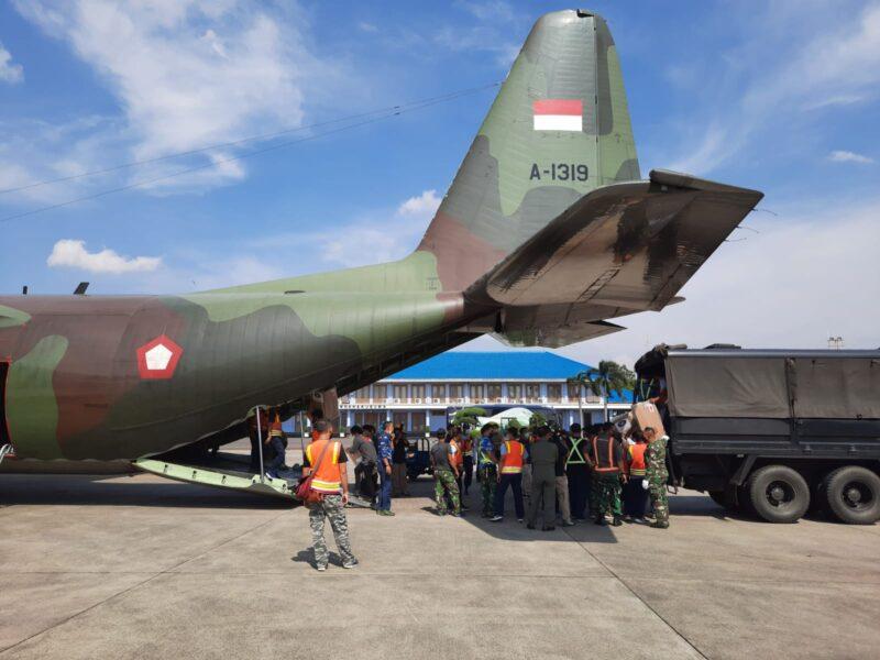 Panglima TNI Marsekal Hadi Tjahjanto, S.I.P., memerintahkan TNI AU untuk mengirim bantuan alat kesehatan (Alkes) dan obat obatan