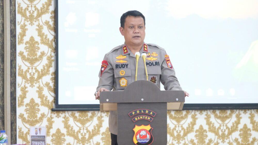 gelar operasional pelaksanaan kegiatan Pemberlakukan Pembatasan Kegiatan Masyarakat (PPKM), (Kapolda) Banten memberikan perintah Jajarannya