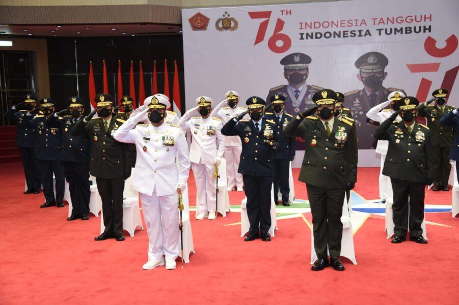 Panglima TNI Marsekal TNI Hadi Tjahjanto, S.I.P., hadiri upacara peringatan Hari Ulang Tahun (HUT) Ke-76 Kemerdekaan Republik Indonesia