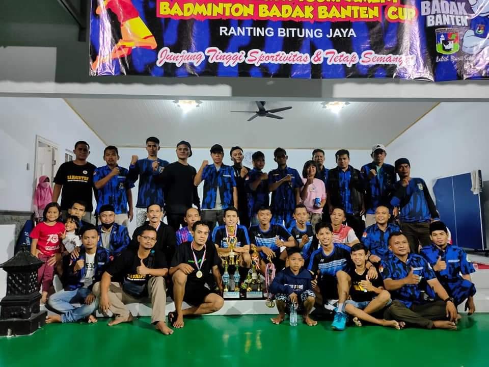 Dalam rangka mempererat tali silaturahmi dan menjaga kesehatan , Ormas Badak Banten Ranting Bitung Jaya mengadakan turnamen badminton