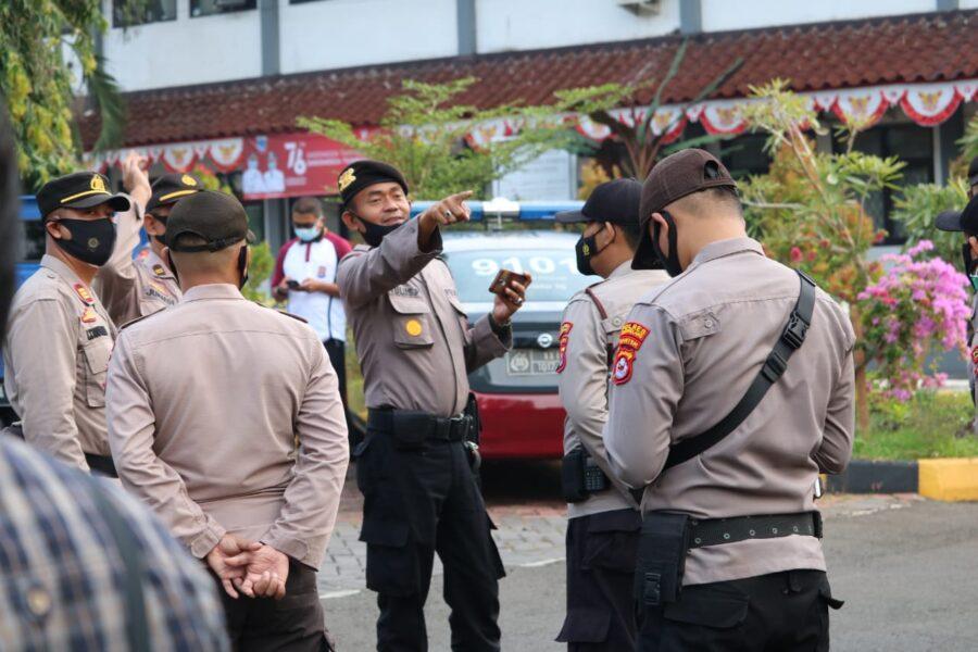 Polres Pandeglang Polda Banten memberikan pengamanan kunjungan Menteri Pariwisata dan Ekonomi Kreatif (Menparekraf) Sandiaga Salahuddin
