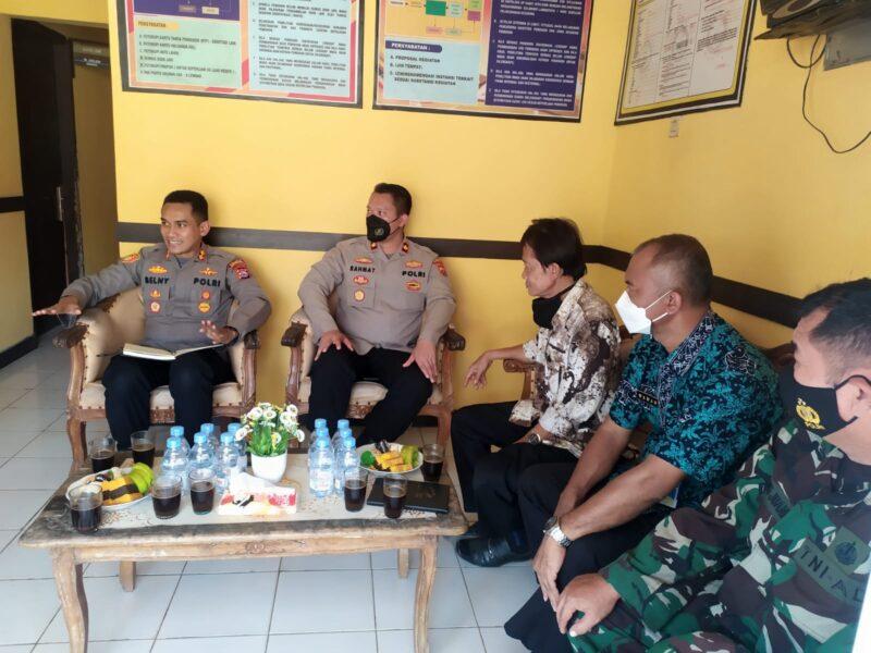 Pada kunjungan kerja (Kunker) ke Polsek jajaran, Kapolres Pandeglang memberikan pesan-pesan Kamtibmas kepada seluruh anggota dan stakeholder