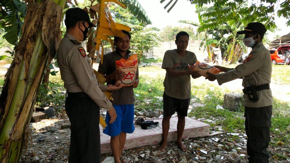 Kebijakan Pemberlakukan Pembatasan Kegiatan Masyarakat (PPKM) level 3 diberlakukan di Jakarta guna mencegah penyebaran wabah Covid-19
