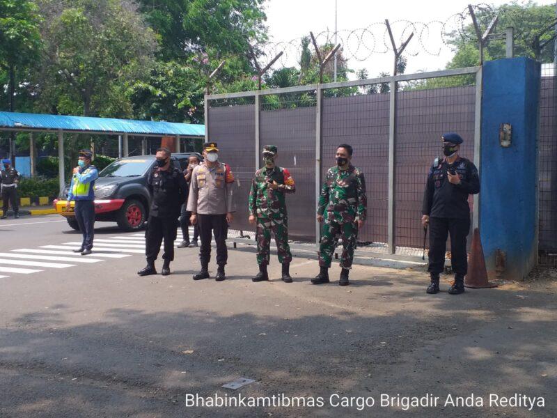 kedatangan vaksin Covid-19 Batch ke 48, Polresta Bandara Soekarno-Hatta (Soetta) bersama instansi terkait melaksanakan apel gabungan