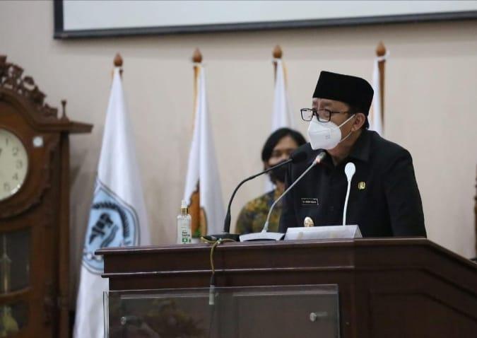 Gubernur Banten Wahidin Halim (WH) mengungkapkan usulan Rancangan Peraturan Daerah (Raperda) tentang Desa Adat sebagai bentuk penghormatan