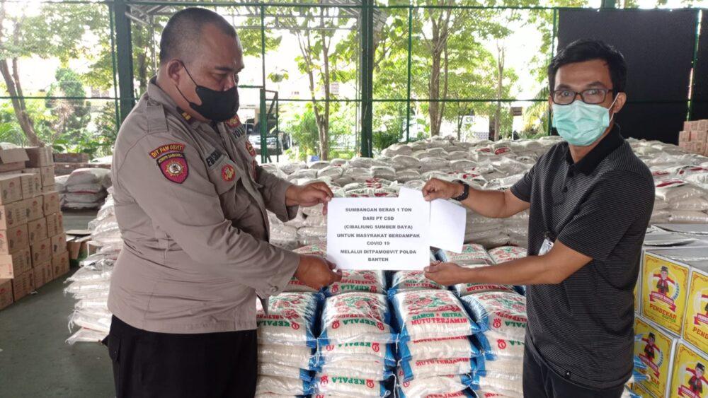 Sebanyak 1 ton beras telah diterima Polda Banten dari PT Cibaliung Sumber Daya. Beras tersebut diterima langsung oleh Iptu Eddy Sukmara