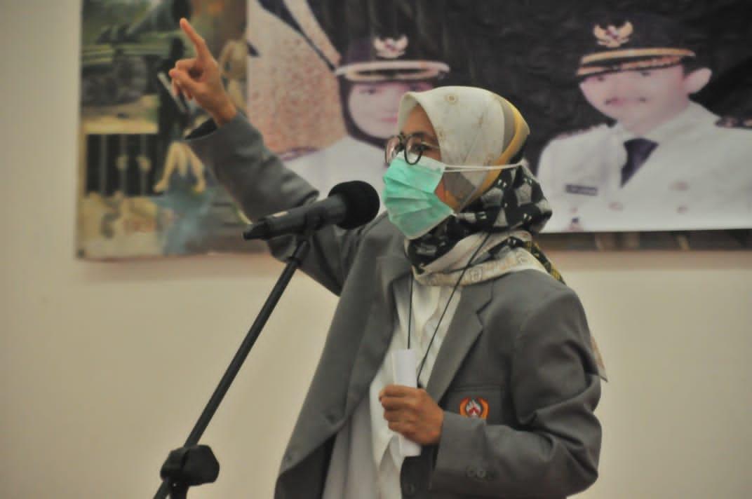 Bupati Lebak Iti Octavia Jayabaya menanggapi ramainya pemberitaan terkait PT Pelangi Elasindo di Desa Citeras, Kecamatan Rangkasbitung