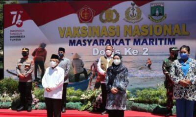 (Wapres) KH Ma'ruf Amin meninjau pemberian Vaksinasi dosis ke-2 (dua) bagi santri dan masyarakat di sekitar Pondok Pesantren An Nawawi