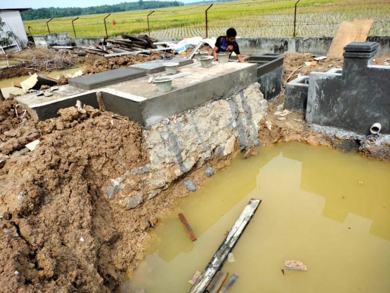 Proyek pelaksanaan Instalasi Pengolah Air Limbah (IPAL) di Puskesmas Patia diduga tidak sesuai Rencana Anggaran Biaya dan terkesan asal jadi