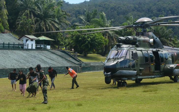 Koopsgab TNI Papua berhasil mengevakuasi 9 dari 11 Tenaga Kesehatan (Nakes) korban yang bertugas di Kabupaten Pegunungan Bintang