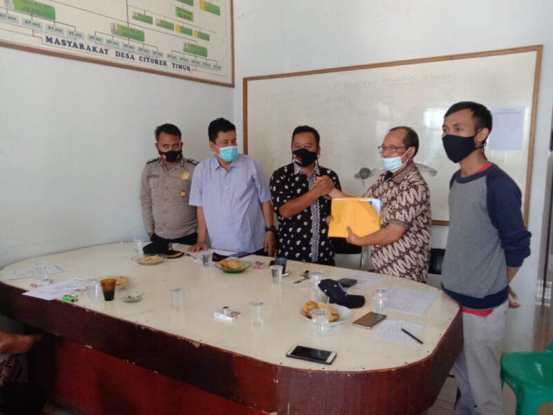Dinas Pemberdayaan Masyarakat dan Desa Kabupaten Lebak menunda pelaksanaan Pilkades dan membubarkan kepanitiaan di Desa Citorek Timur