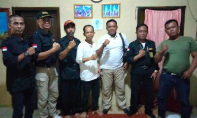 Dalam rangka mempererat tali silaturahmi, Tim Redaksi Cakratara mengunjungi kediaman Niptahudin calon Kepala Desa (Kades) Cirinten