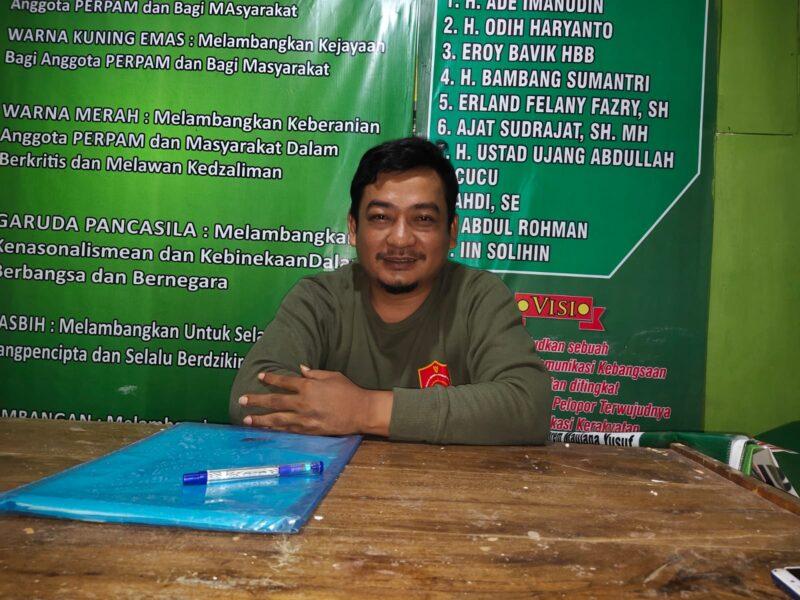 Ketua Dewan Pimpinan Cabang (DPC) Perisai Pembela Aspirasi Masyarakat (Perpam) Kecamatan Cikeusik siap mengibarkan bendera organisasi