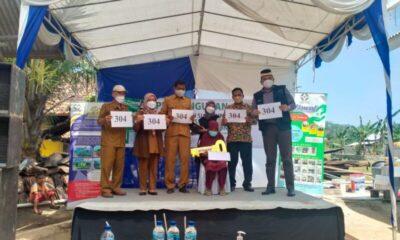 Forkopimcam Bayah menghadiri peresmian hibah Rumah siap huni milik Dausiah bertempat di Kampung Gempol Desa Sawarna Kecamatan Bayah