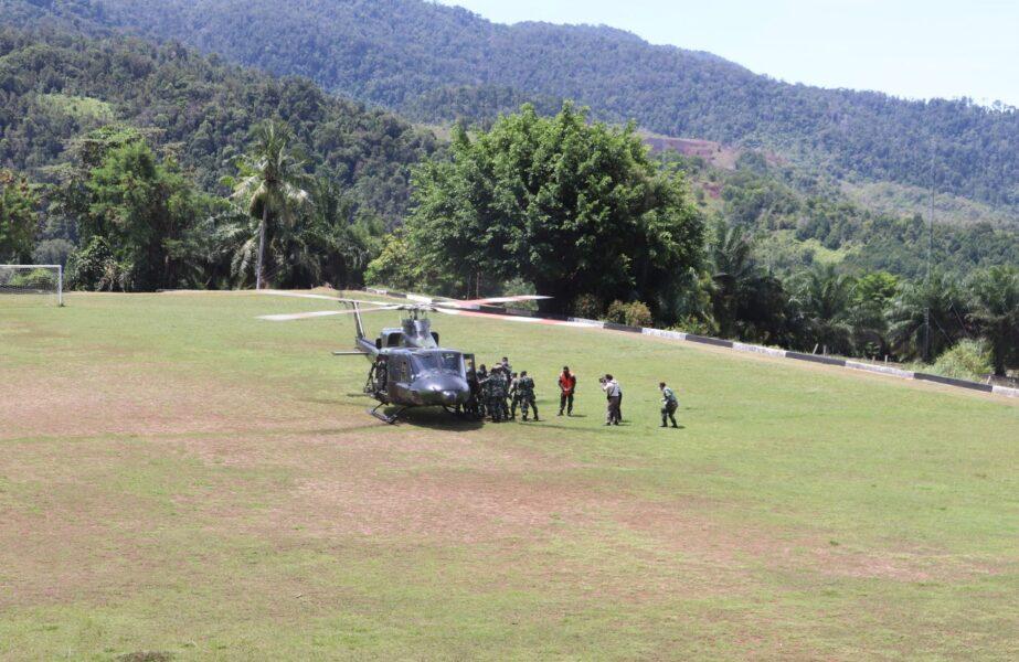 Satu Prajurit TNI gugur saat kontak tembak yang kembali terjadi di Distrik Kiwirok, Kabupaten Pegunungan Bintang saat helikopter