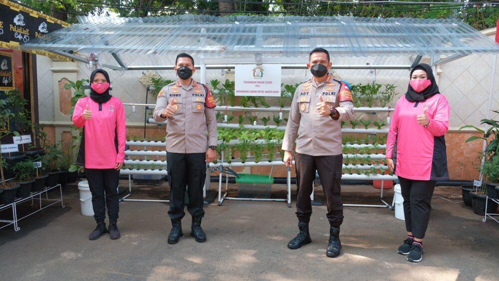 Bhayangkari Cabang Metro Jakarta Barat meraih juara 2 lomba program pekarangan pangan lestari (P2L) dengan kategori lahan kecil