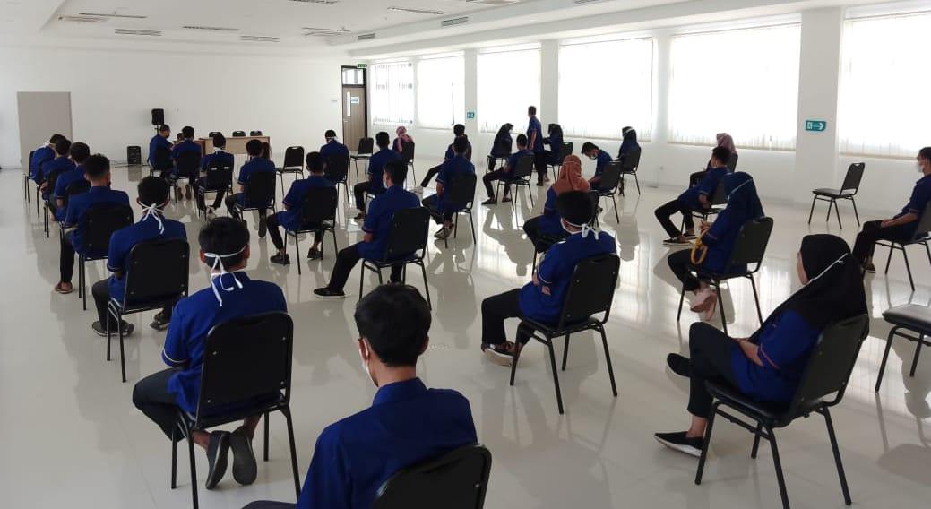 Direktur PT Azaretha Hana Megatrading (AHM) Dodong menepis tudingan salah satu anggota Dewan dari Fraksi Partai Persatuan Pembangunan