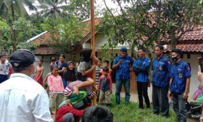 Badak Banten DPC Bojongmanik yang dipimpin oleh Marsad turun ke lapangan untuk mengadakan (Kopdar) kebersamaan sekaligus lomba panjat pinang.