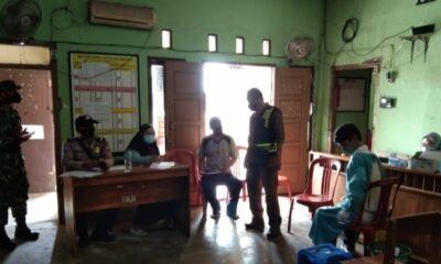 Polsek Panggarangan Polres Lebak bersama Puskesmas Cihara menggelar Vaksinasi Covid-19 secara massal bertempat di Aula Desa Panyaungan