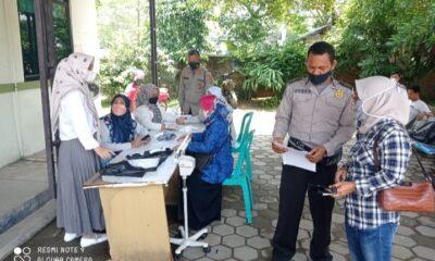masyarakat antusias mengikuti Vaksinasi Covid-19 yang diselenggarakan Polsek Cibadak Polres Lebak Polda Banten bekerja sama dengan Puskesmas